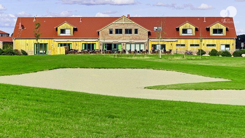 Golfanlage warnem nde die besten golfangebote und for Hotel ostsee warnemunde