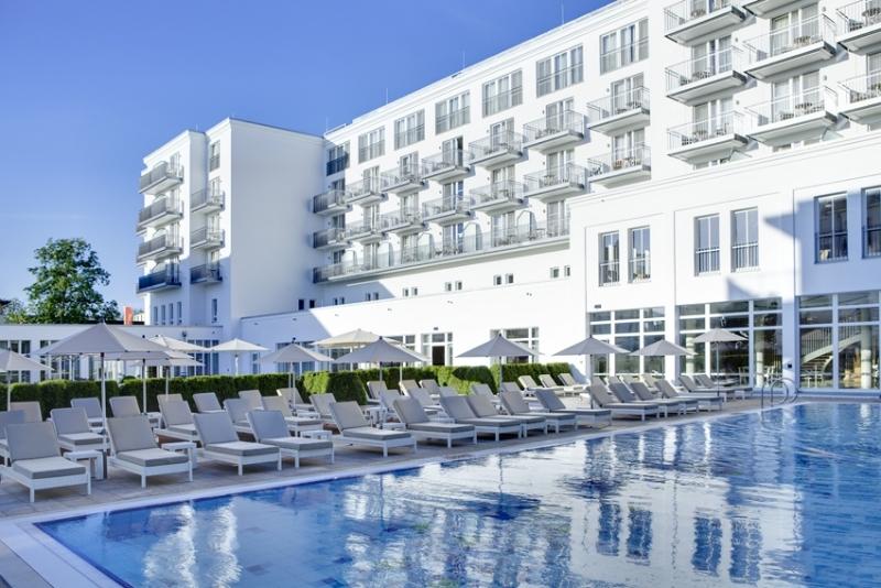 Steigenberger Grandhotel & Spa Heringsdorf - Grand Palais mit Außenpool