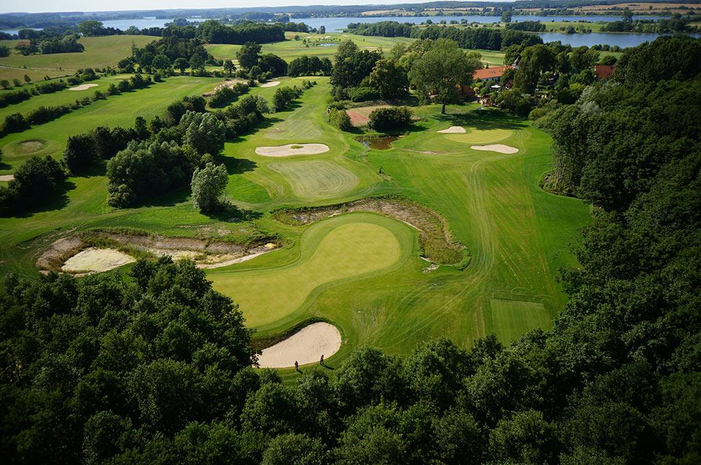 van-der-valk-Golfhotel-Serrahn-Luftaufnahme