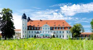 Schlosshotel_Fleesensee_aussen_WEB_2015-03-25